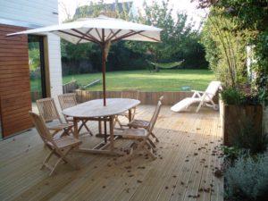 parasol salon jardin bois