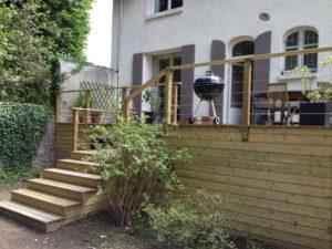 terrasse bois escalier jardin