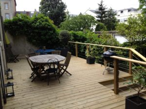 salon jardin bois aménagement