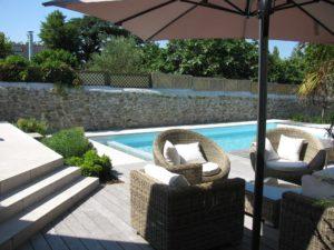 salon jardin terrasse bois piscine