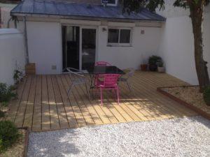 salon jardin aménagement bois