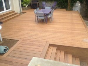 salon jardin terrasse bois escalier