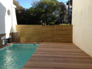terrasse bois escalier clôture piscine