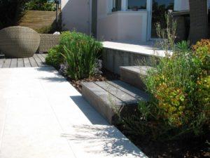 plantes terrasse dallage escalier bois
