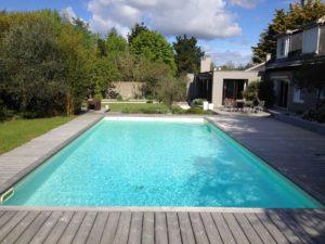 terrasse bois piscine aménagement Nantes
